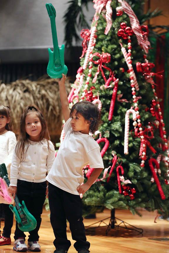 Who Sang Rockin Around The Christmas Tree.Hollywood Preschoolers Rock Christmas