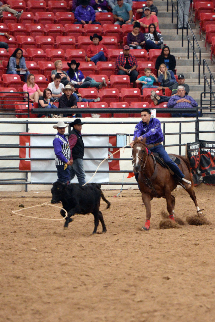 Cisco Rodriguez competes in breakaway's first round at INFR in Las Vegas. (Smith Rodeo Photography)
