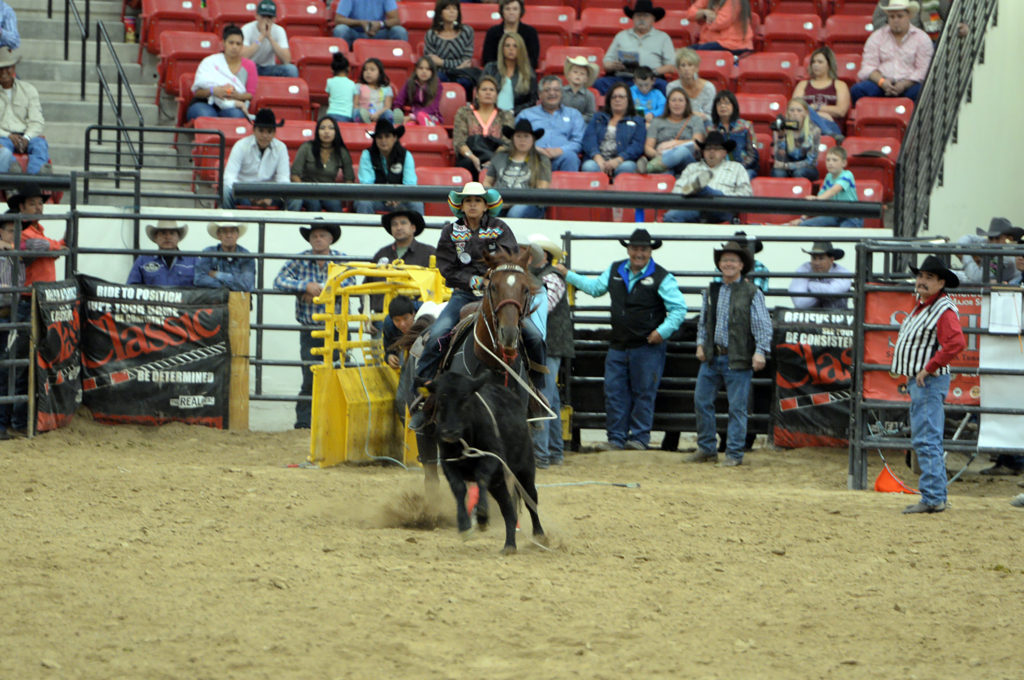 LeAnna Billie competes in the round one of ladies breakaway at INFR. (Smith Rodeo Photography)