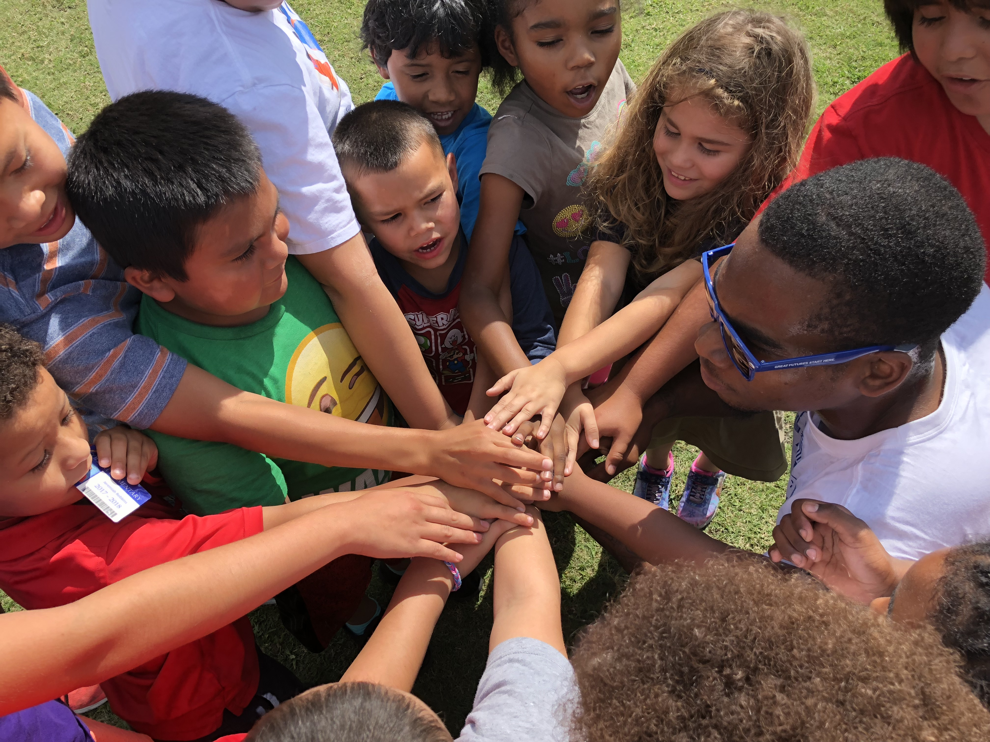 How Rich Kids Get Head Start >> Hollywood Kids Get Head Start With Nike Running The Seminole Tribune